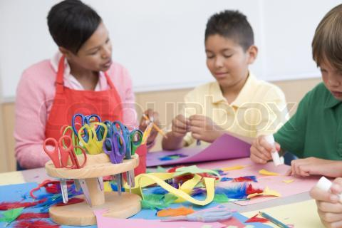 1240938-783371-elementary-school-art-class-with-teacher | So, You ...